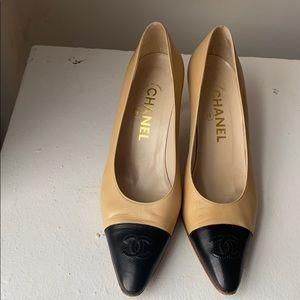 Chanel classic heels 38